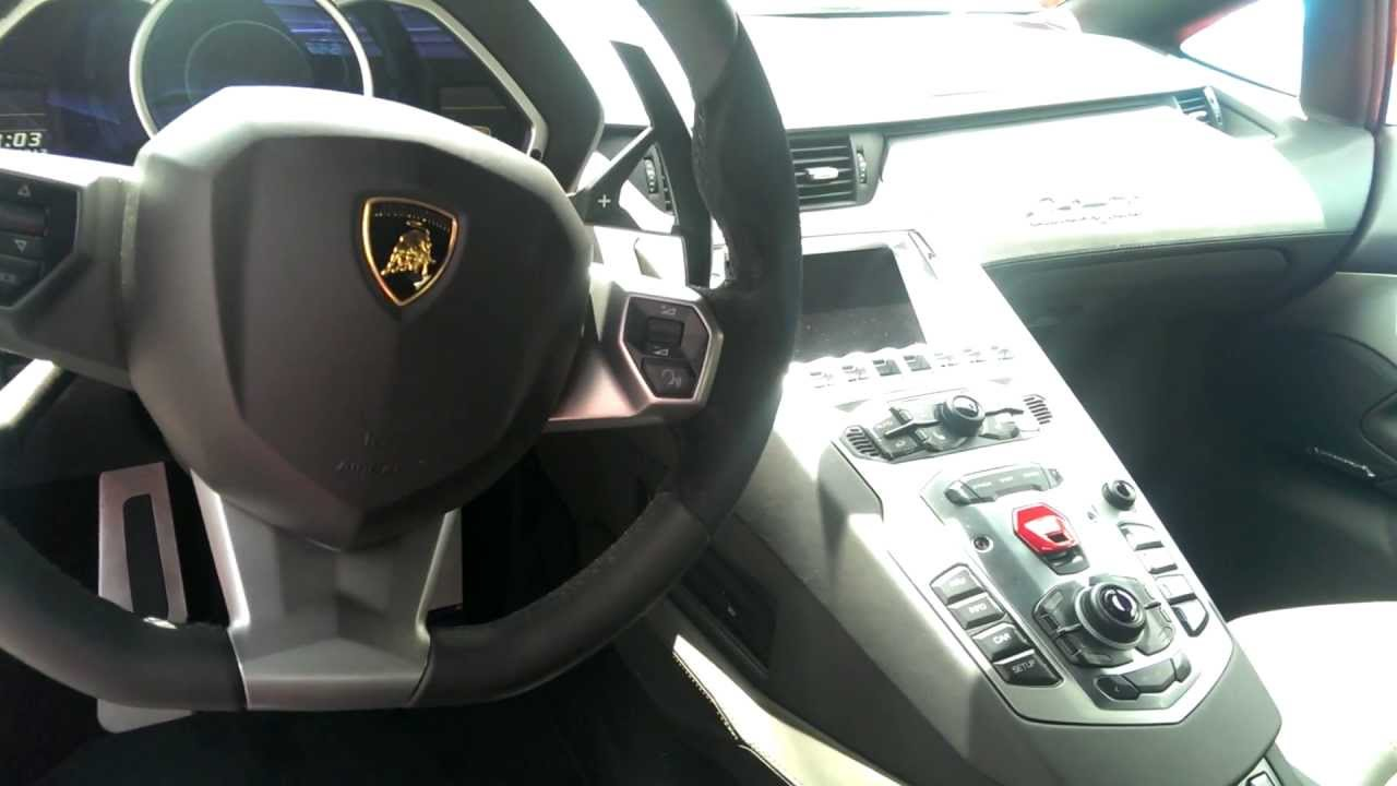 Lamborghini aventador int rieur details youtube for Interieur lamborghini