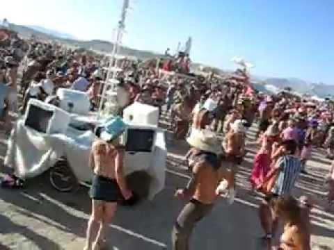 Burning Man - o festival que você precisa participar uma vez na vida from YouTube · Duration:  4 minutes 28 seconds