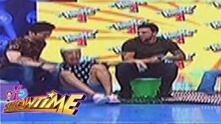 Vice Ganda falls from his chair