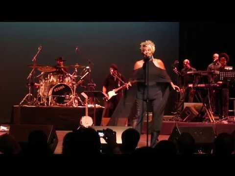 Thelma Houston performs
