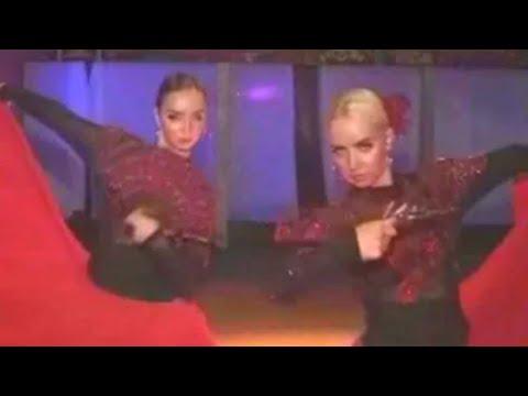 Девушки танцуют испанские танцы Girls are dancing Gipsy dances Chicas bailando gitana bailando