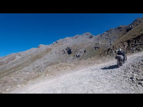 Offroad adventure  at 15000 ft. Sach Pass | RE Himalayan