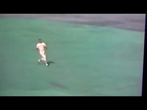 Roberto Clemente Amazing Spin & Throw Gets Merv Rettenmund!