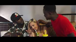 Download Video Bebi Philip - Je M'en Fou De Ça feat Observateur [Clip Officiel] MP3 3GP MP4