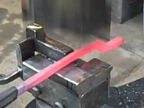 Power Hammer Tong Jig.mp4 - YouTube