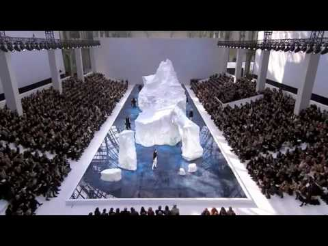 Chanel Fashion Show – Fall/Winter 2010-2011