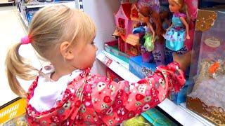 Алиса покупает подарок для подружки Алины!!! Frozen Ever After High Masha and the bear toys(Канал Алинка Малинка ТВ http://goo.gl/UsmbgJ Канал Юляшкин ТВ http://goo.gl/i5OjJC Алиса покупает игрушки для себя и подружки..., 2016-09-07T17:34:03.000Z)
