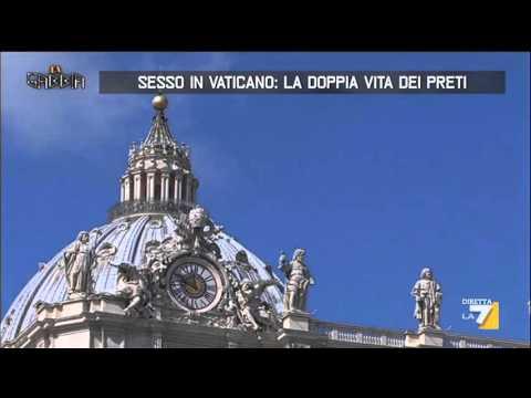 Sesso in Vaticano, la doppia vita dei preti