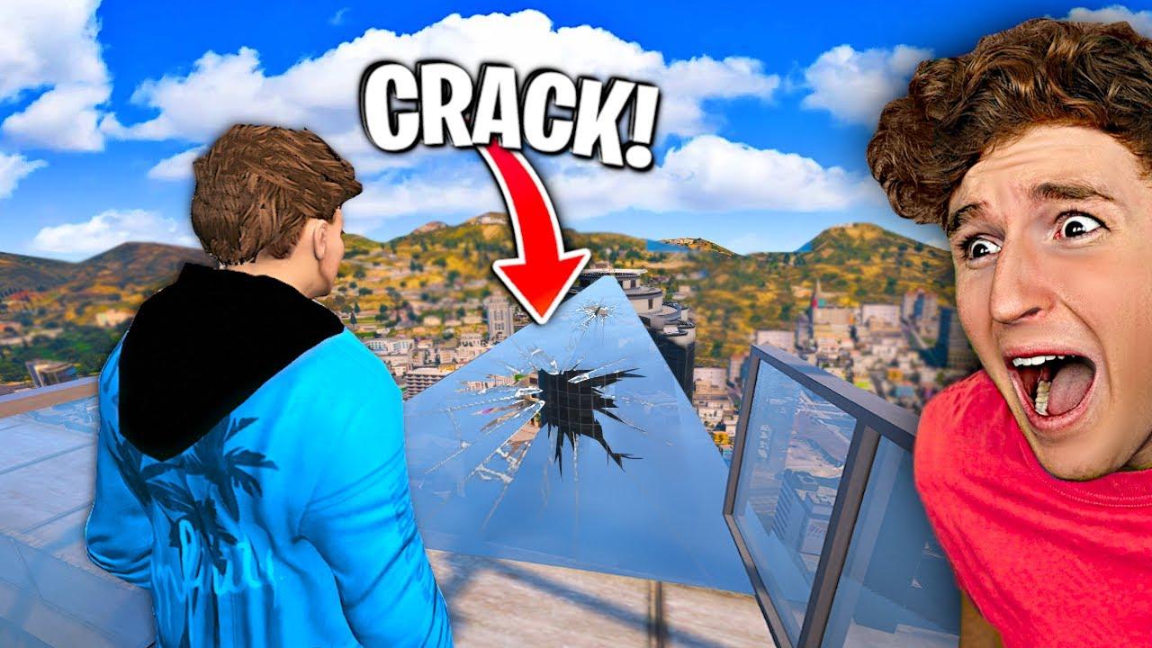 I Walked Over CRACKED GLASS BRIDGE In GTA 5.. (Mods)