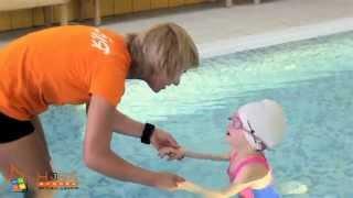 Тренировка по плаванию для детей. Уроки персональных тренеров Фитнес-Центра