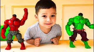 Father & Son toy unboxing Green Hulk vs Red Hulk