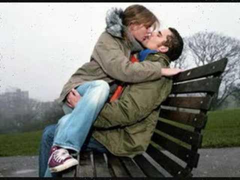 un bacio è...