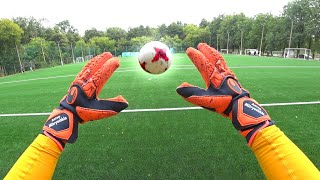 How goalkeeper sees KNUCKLEBALL
