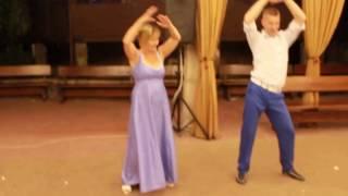 Танец мамы с сыном ))прикол))