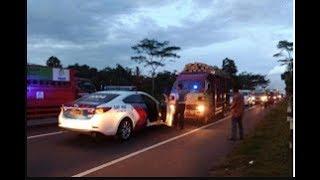 Gambar cover Kejar Kejaran Mobil Polisi Dengan Mobil Truk Di Jalan Tol