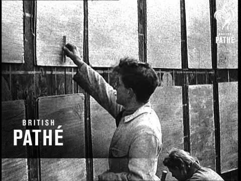 Stop Press - Japan Cracks  (1945)