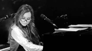 Tori Amos - Cloud on My Tongue (HD Live at Carré Amsterdam, Netherlands, 13 Sept 2017)