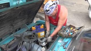 видео Хлопки двигателя в глушитель работая на холостых