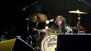 Dave Grohl on the drums NEC 2005