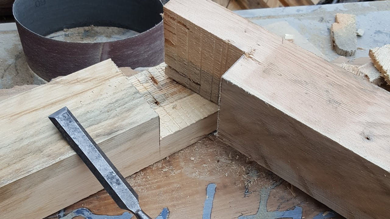 How to make a Half Lap Joint on a Mitre Saw Rage3 Mirror ...