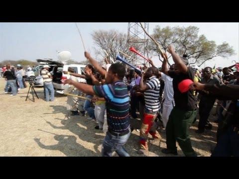 Afrique du Sud: des milliers de mineurs en grève