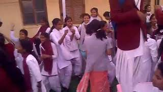 School girls dance (instrumental song humar rajaji din me bole)