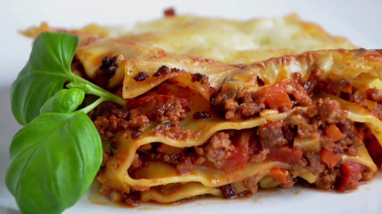beste lasagne selber machen mit bolognese und bechamel so e youtube. Black Bedroom Furniture Sets. Home Design Ideas