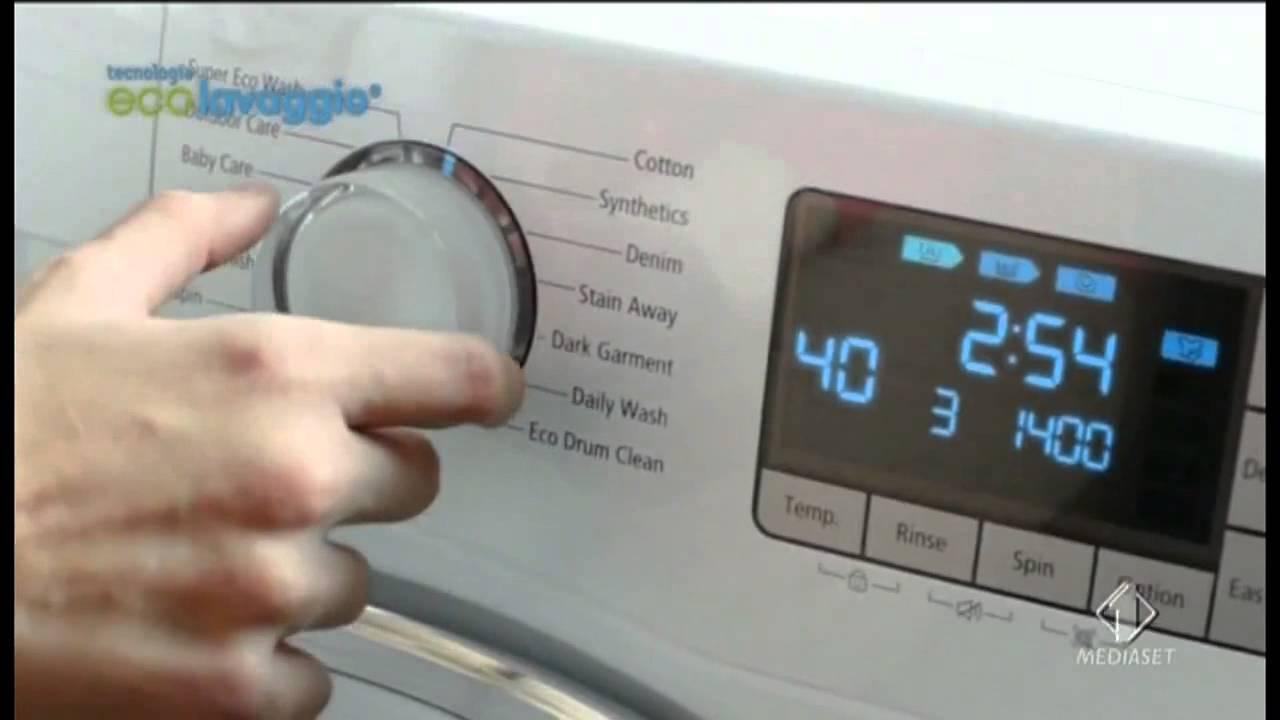 Samsung lavatrice ecolavaggio spot 2013 youtube for Lavasciuga samsung
