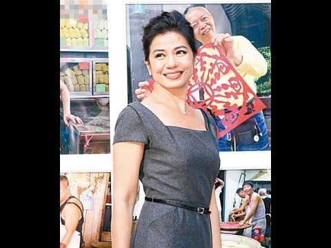 """二度开影展  钟楚红Cherie Chung跻身""""知名摄影师"""" 54岁钟楚红迎第二春 谈恋情:你觉得有就有喽"""