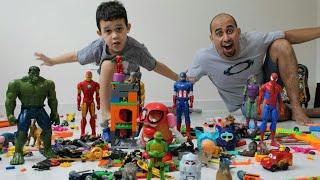LUCAS BRINCANDO com SEUS BRINQUEDOS Lego e Sr. Cabeça de Batata