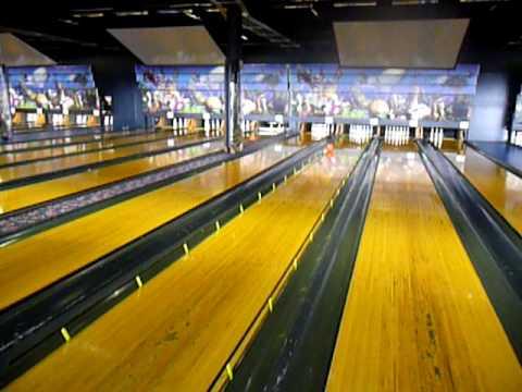 Bowling At Sky City