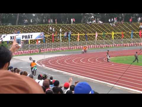 Đua xe Cần Thơ 2/9/2012 - VĐV Lưu Thanh Tuấn (Lục Phong) ăn mừng chiến thắng
