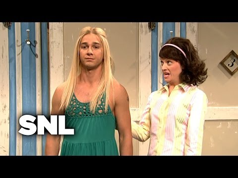 Girls Try on New York Funky Style Clothes - SNL