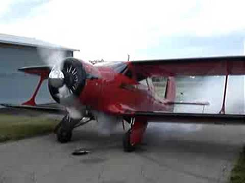 Staggerwing Startup Radial engine R985