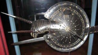14 Ungewöhnlichste Antike Waffen mit denen gekämpft Wurde