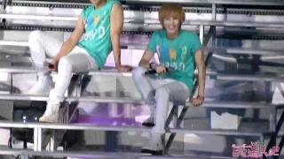 [ONTAE/ HD FANCAM] 110820 Onew & Taemin hot performance compilations + cute moments @ Nanj!ng