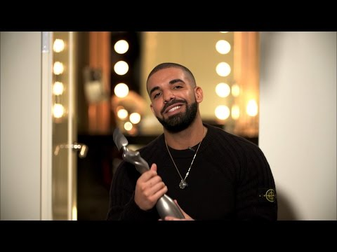 Drake wins International Male Solo Artist...