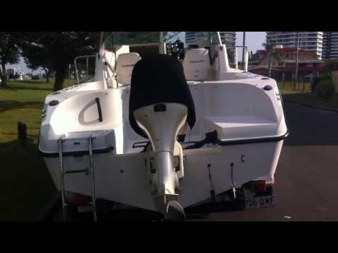 Seaswirl 2101WA Walkaround boat for sale Australia