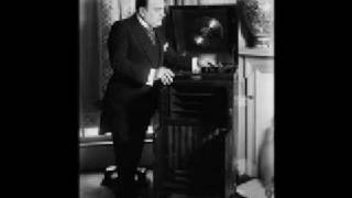 Una Furtiva Lagrima - Enrico Caruso 1904 and 1911