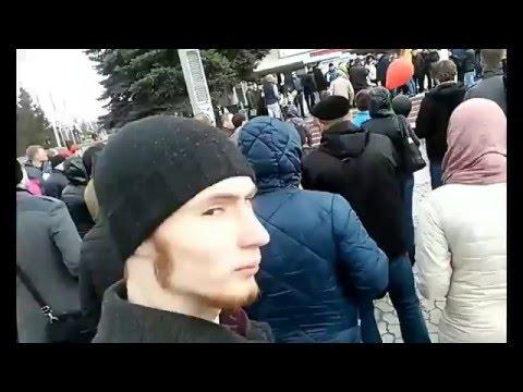 Омск 9.04.16 митинг дороги. Освистали депутата
