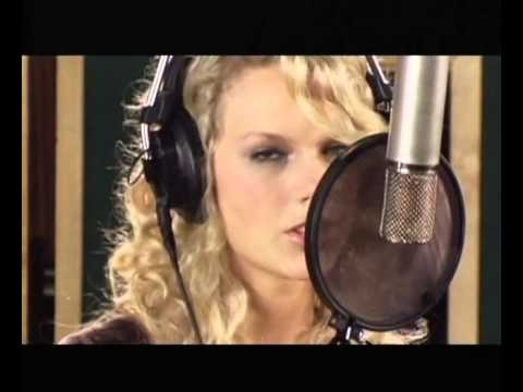 TaylorSwift - A Place In This World (2006 GAC Full Show)