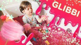 Bawimy się w brokatowym Glibbi o zapachu waty cukrowej!