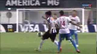 Ronaldinho Gaúcho da Lindo Chapéu! Atletico Mineiro vs Nacional 1-1 Copa Libertadores 2014(ATLÉTICO MINEIRO 1x1 NACIONAL: CHAPÉU DE RONALDINHO GAÚCHO VS NACIONAL-PARAGUAI Gran jugada de Ronaldinho a un jugador de Nacional ..., 2014-03-20T01:14:03.000Z)