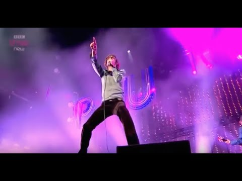 Pulp - Common People (Reading 2011)