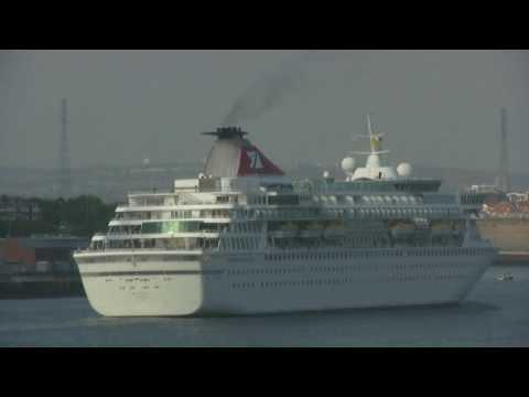 Passenger Ship Balmoral arrives on the River Tyne 1st July 2015