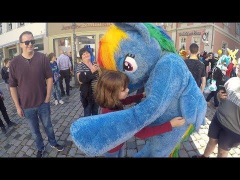 Public Fursuiting Fun In Esslingen, Germany 2019