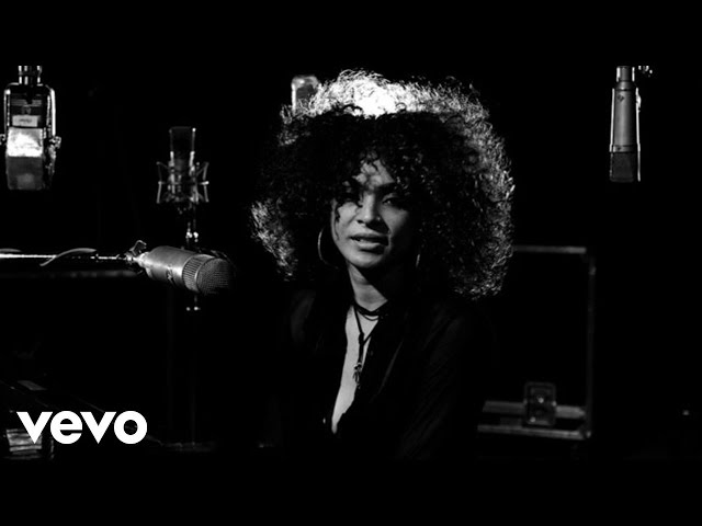 Kandace Springs - Place To Hide (1 Mic 1 Take)