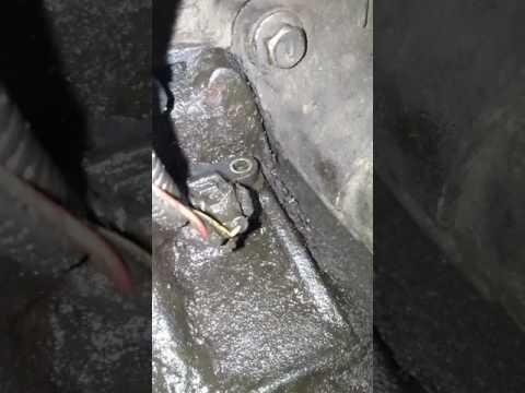 Nissan primera p12 замена датчика коленвала. .