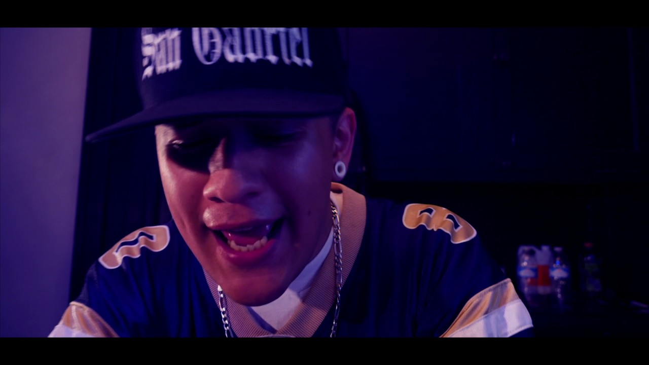 Slim Kronic - In The Studio (Official Music Video)