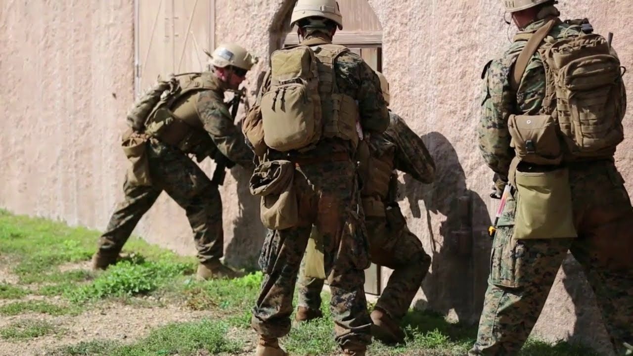 1st Recon Marines Conduct Combat Readiness - YouTube